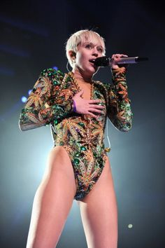 Miley Cyrus - Bangerz Tour 2014 :D