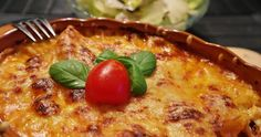 Sauerkraut-Lasagne Rezept (mit/ohne Hackfleisch) Vegetarisches Lasagne-Rezept mit Sauerkraut. Optional hervorragend mit gebratenem Hackfleisch kombinierbar. Sehr deftig. Sehr lecker. Einfach und billig. King Ranch Chicken Casserole, Beef Casserole, Casserole Recipes, Worlds Greatest Lasagna Recipe, Wine Recipes, Crockpot Recipes, Italian Lasagna, Cream Of Chicken Soup, Crock Pot Recipes