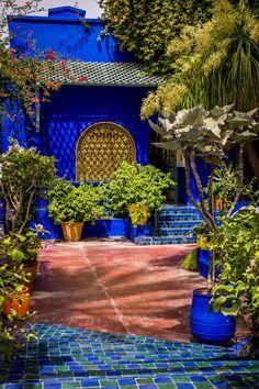 Majorelle Gardens in Marrakech, Morocco Moroccan Garden, Moroccan Decor, Mexican Colors, Pintura Exterior, Outdoor Living, Outdoor Decor, House Colors, Garden Inspiration, Interior And Exterior
