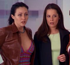 Prue & Piper Serie Charmed, Charmed Tv Show, Chris Halliwell, Charmed Sisters, Beautiful Witch, Holly Marie Combs, Shannen Doherty, Beverly Hills 90210, Bob S
