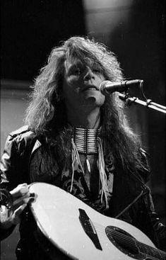 Bon Jovi 80s, Jon Bon Jovi, Dorothea Hurley, Bon Jovi Always, Shaggy Long Hair, Rock Groups, Some People Say, Keep The Faith, Kissing Him