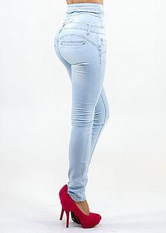 High Waist (WANT)Butt Lift Jeans (Light Wash) in Jeans