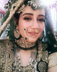 Excellent Wedding Ever Pakistani Bridal Makeup, Indian Bridal Fashion, Indian Bridal Wear, Indian Wedding Jewelry, Pakistani Bridal Dresses, Bridal Jewelry, Tikka Jewelry, Shadi Dresses, Pakistani Jewelry