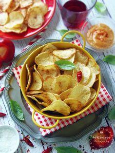 Házi burgonya chips füstölt paprikás mártogatóval