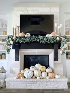 Fall Home Decor, Autumn Home, Modern Fall Decor, Mantel Styling, Adornos Halloween, Seasonal Decor, Holiday Decor, Fall Mantel Decorations, Fall Fireplace Decor