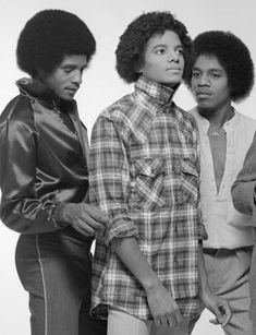 Photos Of Michael Jackson, Michael Jackson Smile, The Jackson Five, Jackson Family, Paris Jackson, Familia Jackson, Invincible Michael Jackson, The Jacksons, American Singers