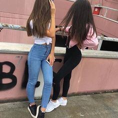 Tag your bff. Hipster Vintage, Style Hipster, Bff Goals, Best Friend Goals, Street Style Vintage, Friend Tumblr, Bff Pictures, Best Friend Pictures, Best Friends Forever
