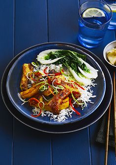 Try this ginger-glazed squash with sesame recipe. Make our vegan salad recipe with butternut squash. This butternut squash recipe is vegetarian and vegan Salad Recipes, Vegan Recipes, Olive Recipes, Meatless Recipes, Butternut Squash Chilli, Sesame Recipes, Asian Street Food, Tagine Recipes, Main Meals