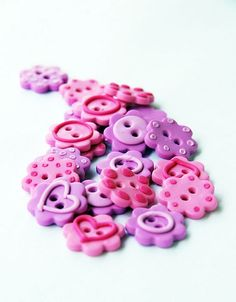 polymer clay flower buttons.: