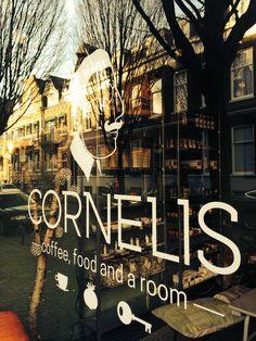 Cornelis Utrecht - koffiezaak met hotelkamer