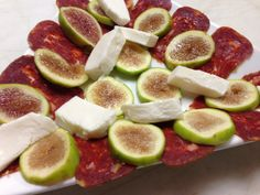 Soppressata,Figs, & Fresh Mozzarella Fresh Mozzarella, Figs, I Foods, Vegetables, Vegetable Recipes, Veggies, Fig