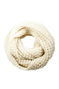 chunky knit infinity scarf.. this looks super cozy