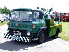 BEDFORD - RECOVERY TRUCK