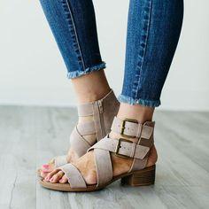 Large Size Women Casual Zipper Low Heel Sandals – #sandals #sandalssummer #sandalsoutfit Mid Heel Sandals, Sandals Outfit, Tans, Strap Heels, Low Heels, Open Toe, Fashion Shoes, Espadrilles, Footwear