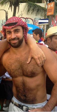 The Bear Underground Archive 20,000+ posts of the hottest hairy men around the globe