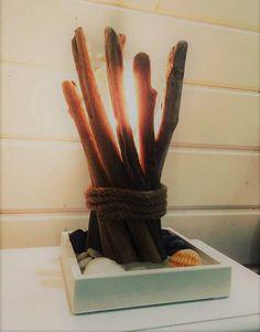 Lampe en bois flotté fait main pièce unique