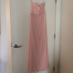 Amsale blush pink strapless bridesmaid dress (NWT) This dress was purchased as an additional size and was never worn. Beautiful flowy floor-length chiffon gown. Style G629C. Tags still attached. Amsale blush pink strapless floor-length gown worn once by maid of honor at Cambridge, MA wedding. Amsale Style: G629C. Will arrive professionally dry cleaned to buyer. Purchased at nyc boutique. Please see my 2 other Amsale bridesmaid dress listings if interested in purchasing multiples! Amsale…