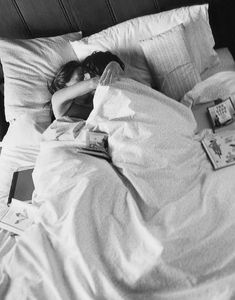 The perfect lazy morning in bed hopeless romantic lazy morni Cute Relationship Goals, Cute Relationships, Cute Couples Goals, Couple Goals, Parejas Goals Tumblr, Lazy Morning, Morning Cuddles, Lazy Sunday, Saturday Morning
