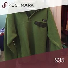 Green men's pullover Patagonia. Soft. Perfect condition. It would fit a women's medium Patagonia Jackets & Coats