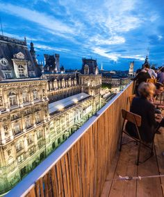 Restaurant and rooftop bar Le Perchoir in Paris