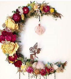 🌛🌸🧚♀️🍃🌜fae's Crystal Garden Lunar Goddess Wreath! I on Home Inteior Ideas 3393 Crafts To Do, Home Crafts, Arts And Crafts, Diy Crafts, Wreath Crafts, Diy Wreath, Crystal Garden, Deco Boheme, Dried Flowers