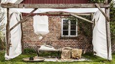FRISTENDE: Noen timer her på en solfylt dag ville vel ikke være noen imot. Diy Pergola, Go Camping, Outdoor Furniture, Outdoor Decor, Sunny Days, Cool Designs, Gardens, Outdoors, Home Decor