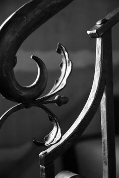 Handrail detail by Bennett Forgeworks. Love the joinery !