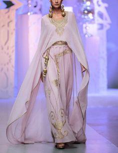 What the Lady of Starfall would wear, Zareena