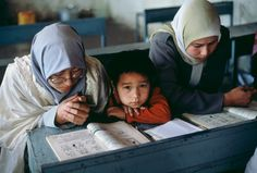 Girls learning at school. Photo ©Steve McCurry. Bamiyan, Afghanistan.