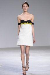 2016春夏オートクチュールコレクション - ジャンバティスタ ヴァリ(GIAMBATTISTA VALLI)ランウェイ|コレクション(ファッションショー)|VOGUE JAPAN