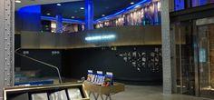 Exposición de fotografía en la Instagramers Gallery de Madrid Desktop Screenshot, Conference Room, Flat Screen, Planes, Madrid, Table, Furniture, Home Decor, Places To Go