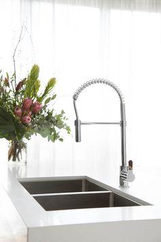Modern Luxury Kitchens For A Grand Kitchen Luxury Kitchen Design, Best Kitchen Designs, Luxury Kitchens, Cool Kitchens, Grand Kitchen, Kitchen Reno, Kitchen Ideas, 2017 Design, Laundry Room Storage