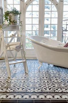 Tile Decals - Tiles for Kitchen / Bathroom Back splash - Floor Decals - Carreaux Ciment Encaustic Trefle Vinyl Tile Sticker Pack Cream & Black - I like to live - Bad Inspiration, Bathroom Inspiration, Cute Apartment Decor, Bathroom Floor Tiles, Light Bathroom, Cement Bathroom, Tile Floor, Mosaic Bathroom, Bathroom Small