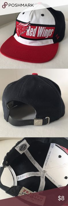 4a50f189272f7f Flatbill Detroit Red Wings Hockey Hat - Adjustable Great Condition, barely  worn NHL flatbill with