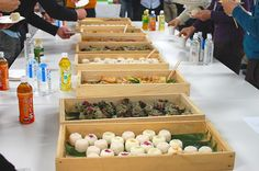2015年2月8日(日)に東京で開催された「AMAカフェ」イベントレポート。島根県隠岐郡海士町の食材を使ったお料理や音楽などを通して、海士の魅力を全国にお届けし、旬の食べ物やそこに集まってくれた人たちとの出会いを楽しむイベント「AMAカフェ」の魅力とは?