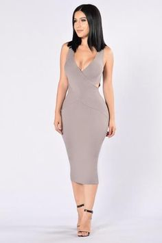 Overboard Dress - Grey http://amzn.to/2sV5nYo