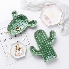 Cactus plant plate jewelry storage box decorative tray food plate for dinner . - Cactus plant plate jewelry storage box decorative tray food plate for dinner …, - Cactus Ceramic, Ceramic Clay, Ceramic Plates, Ceramic Pottery, Ceramic Jewelry, Diy Clay, Clay Crafts, Cerámica Ideas, Vintage Jewelry Crafts
