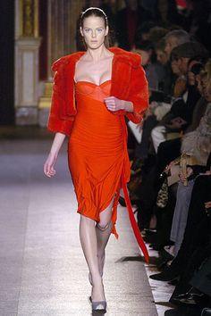 Giambattista Valli Fall 2005 Ready-to-Wear Collection Slideshow on Style.com