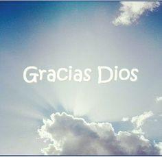 Por cada cosa que tengo y las personas que están junto a mi y por todo lo bueno y lo malo. Gracias Dios.
