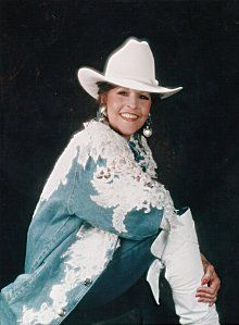 Donna Fargo Donna Fargo, Country Female Singers, Country Music Stars, Happy Girls, Couple, Artists, Image, Chic, Board