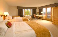 Double Queen guest room corner room - Boulder Marriott