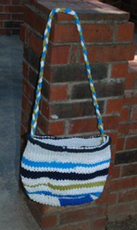 T-Shirt Yarn Bag...something else new to try! :)