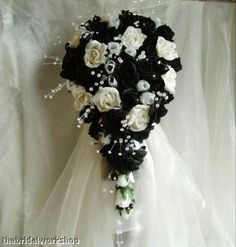 MUST HAVE for my black and white themed wedding