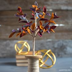 Make a felt and wire tree for your Fall home decor by handcrafted lifestyle designer Lia Griffith Thanksgiving Crafts, Thanksgiving Decorations, Holiday Crafts, Felt Diy, Felt Crafts, Diy Crafts, Cornucopia Craft, Waldorf Crafts, Felt Tree