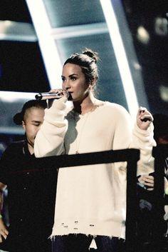 Demi Lovato prepping for Grammys (2017)