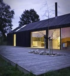 Black and Bright house on the Danish Island of Mon, Jan Henrik Jansen / Remodelista by frankie