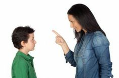 Οι δέκα «ακίνδυνες» φράσεις που δεν πρέπει να πείτε ποτέ στο παιδί σας