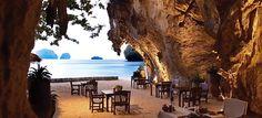 """Il ristorante """"La Grotta"""", sorge sotto un'antica rupe calcarea ai margini di Phra Nang Beach."""