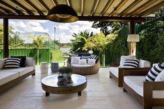 Decoração de casas de luxo - Ampla varanda