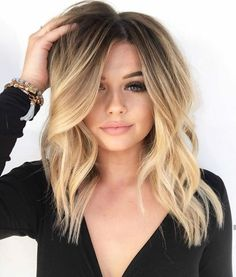Best Long Bob Haircuts for Women Long Bob is always a classic haircut, but this season we'll take him to a new level. Curly, asymmetrical haircuts, thick parts, waves – the choice is endless! Long bob ha… - Station Of Colored Hairs Ombré Hair, Hair Day, Curls Hair, Hair Updo, Lob Curly Hair, Lob Haircut Thick Hair, Long Bob Hairstyles For Thick Hair, Medium Hair Styles, Short Hair Styles